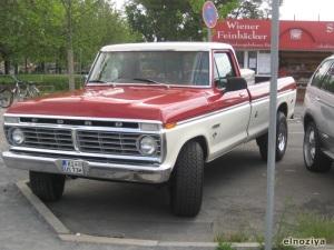 Camioneta Ford ranchera
