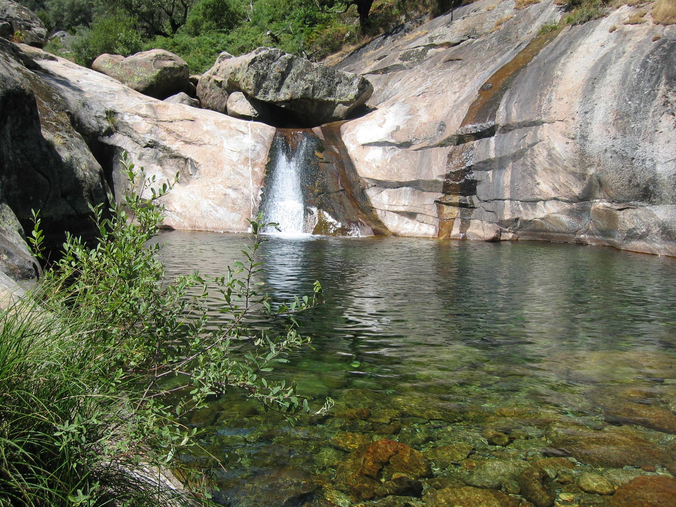 Madrigal de la vera la gran casualidad for Madrigal de la vera piscinas naturales
