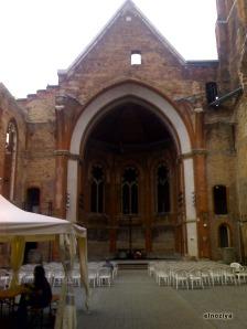 Iglesia sin tejado