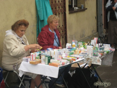 Farmacia alternativa en un mercadillo