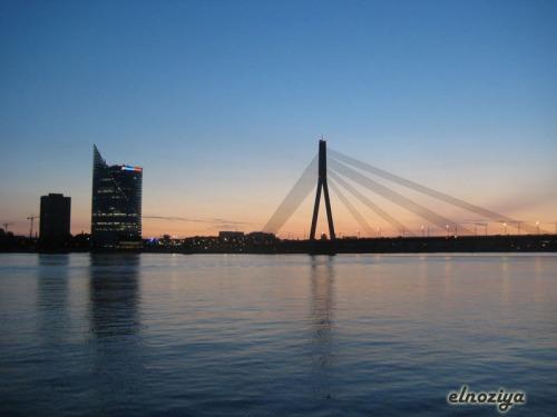 Última foto ya, atardecer con el puente de fondo.