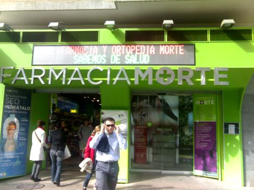 Farmacia MORTE, que mal rollo.