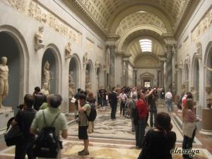 Museo del Vaticano.  Nunca jamás vi tanta estatua y obras valiosísimas juntas.  Absolutamente impresionante.